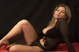 Video de mulher dando o cu para cachorro e fica grudado