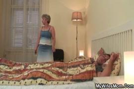 Mae fica presa na pia e filho a comeu incesto