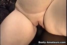 Chupando e fodendo meu namorado enquanto ele ejacula dentro de mim.