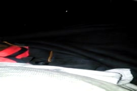 Minha namorada dando cabeça e chupando meu pinto no carro.