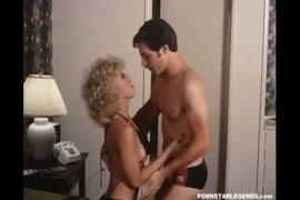 Videos pornos de maedando.para seu proprio filho de mini saia