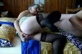 Ermafroditas lesvicas se masturbando