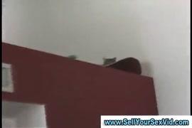 Videos de muler de saia curta e liga para seu a migo para laber seu cu