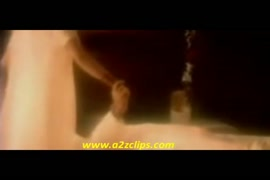 Sexo oral em mulher homem mordendo o grelo