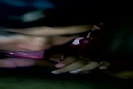 Baixa video de mulher fazendo sexo com animais