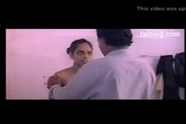 Vidio de pornografia mulher esfrega buceta na cara do humem