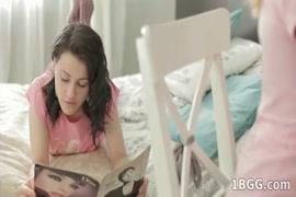 Fotos de meninas mostrando suas bucetinhas ainda nascendo cabelo