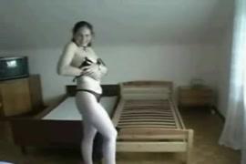 Mulheres tomando banhos e homens batendo punheta gratis