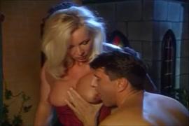 Fotos de homem transando com mulher dos peitos bicudos