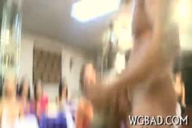 Video de homens batendo punheta baixar gratis