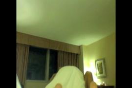 Videos de homens pelados mostrando o pau duro