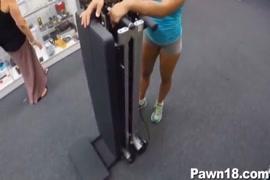 Mulheres esfregando grelo grande uma na outra video