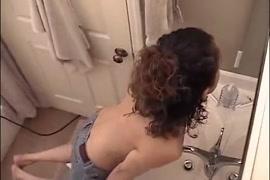 Vídeo de pai comendo a filha em volta redonda