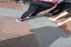 Video mulher mostrando a buceta cheia de porra do cavalo yotube