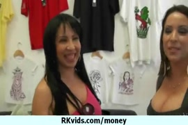 Video de meninas esfregando a piriquina na bunda da outra