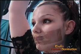 Baixa vídeos direto no celula de adultos fazeno sexo